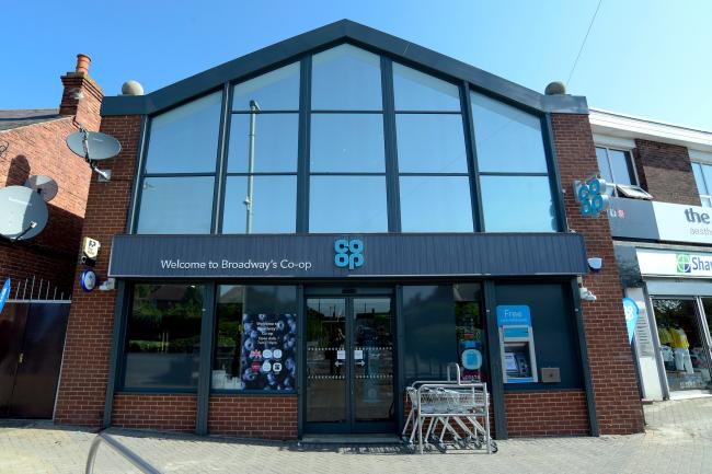 Co Op Food store reopens on Didcot Broadway after refit.  27.6.19