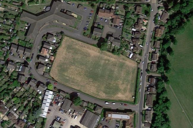 The field off St George's Road in Wallingford where Oxfordshire County Council plans to create a new car park. Picture: Google Maps