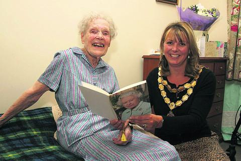 Joan Bennett with Wantage mayor Charlotte Dickson