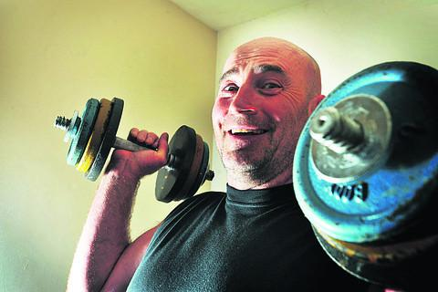 Grandfather Steve Ellwood has beaten hundreds of younger men in a national weightlifting challenge