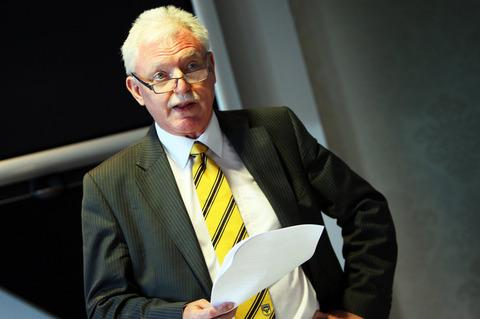 Herald Series: New Oxford United chairman Ian Lenagan  addresses the media yesterday