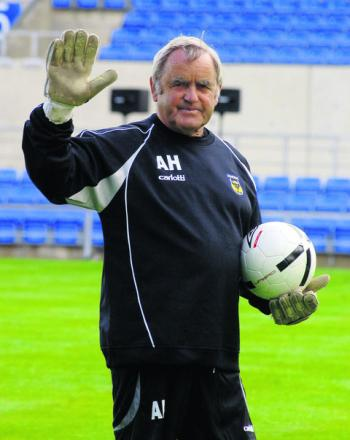 Alan Hodgkinson will be the guest of honour tomorrow as Oxford United pay tribute to an extraordinary career, which began 60 years ago as a goalkeeper at Sheffield United