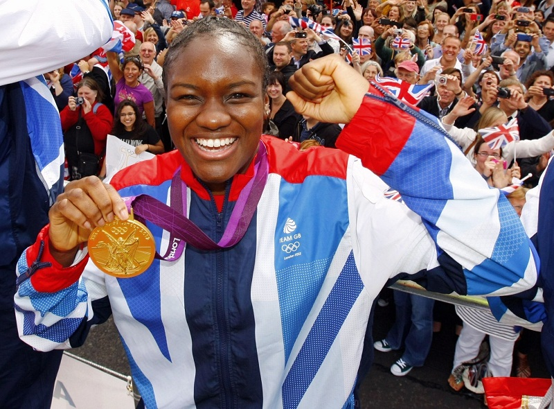 Thousands of fans honour our Olympic heroes
