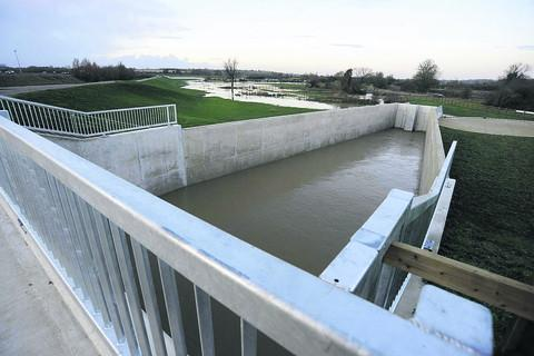 Huscote Flow Control Structure, part of Banbury's new flood defences