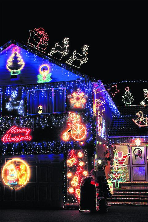 Tony and Pat Ayris's Christmas lights in New Street, Bicester