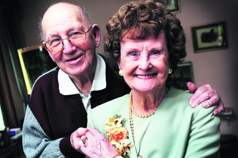 Richard and Amy Sedin, of Park Road, Didcot, mark 70 years of marriage. Picture: OX57015 Ed Nix