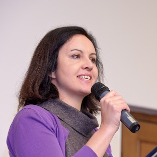 Caroline Flint said a future Labour government would not revisit the contract to build the Hinkle