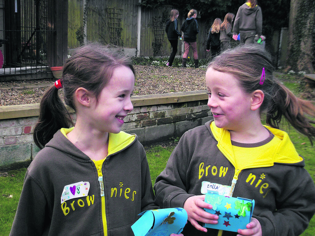 2nd Wantage Brownies Ellie Hillsden, left, and Emily Lindley enjoy the Guides' World Thinking Day