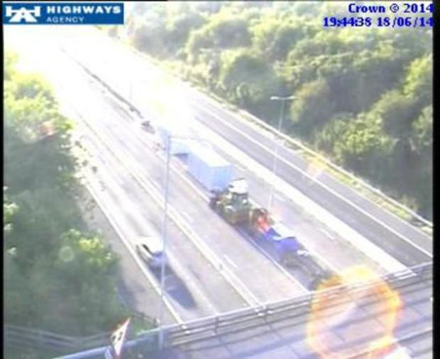 'Serious' crash on M40 causes delays