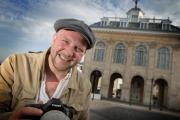 Man on a mission: Martin Wackenier wants to photograph 2,000 people in Abingdon's historic Market Place