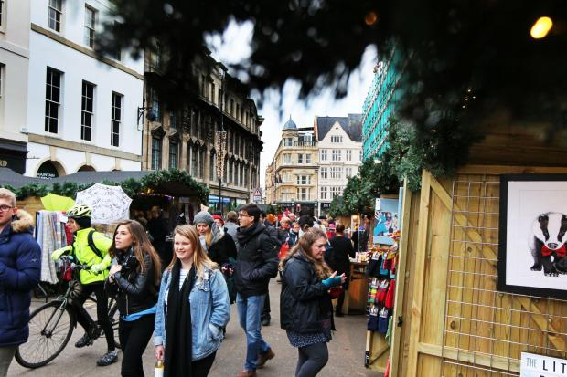 Herald Series: Oxford's Christmas Market opens on Broad Street..7.12.2017.Picture by Ed Nix...