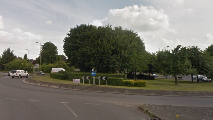 The A4074 approach to Crowmarsh Roundabout, where the bus fire happened. Pic: Google Street View