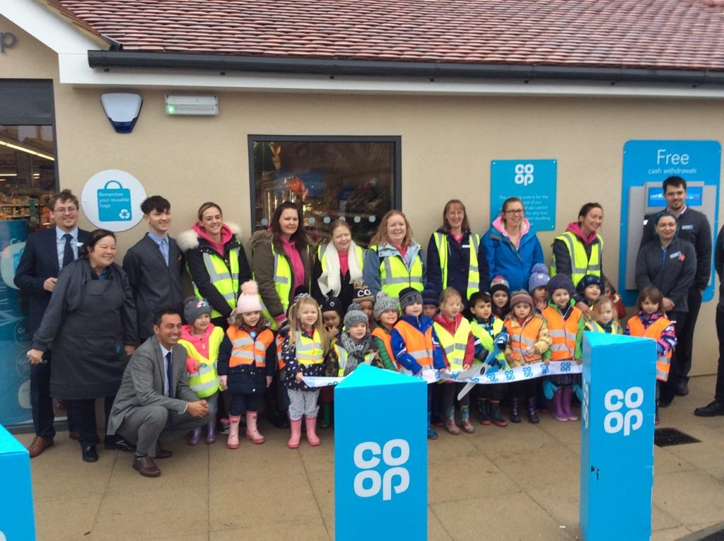 Children from Southmoor Pre-School were among the guests at the store's opening, joining Kieran Pollard (Store Manager), Abdul Wahid (Area Manager) and the store team to cut the ribbon at Oxfordshire's newest store, near Abingdon