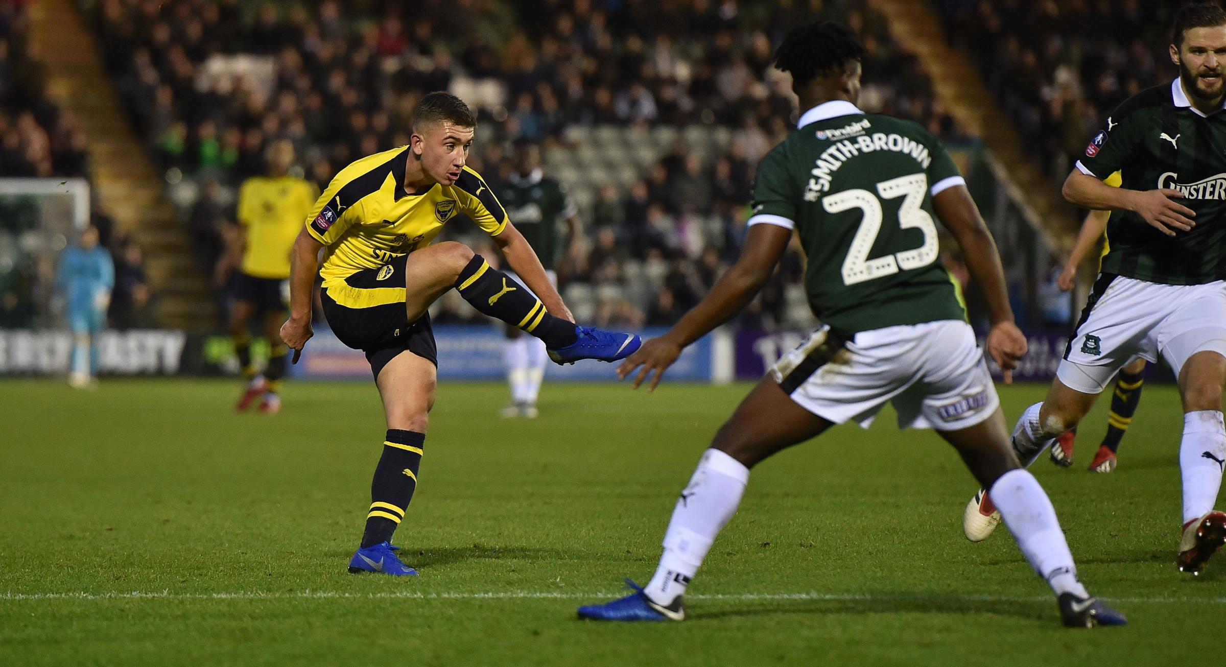 Cameron Brannagan lets fly with a 20-yard rocket for Oxford United's second goal against Plymouth Argyle Picture:  Harry Price/PPAUK