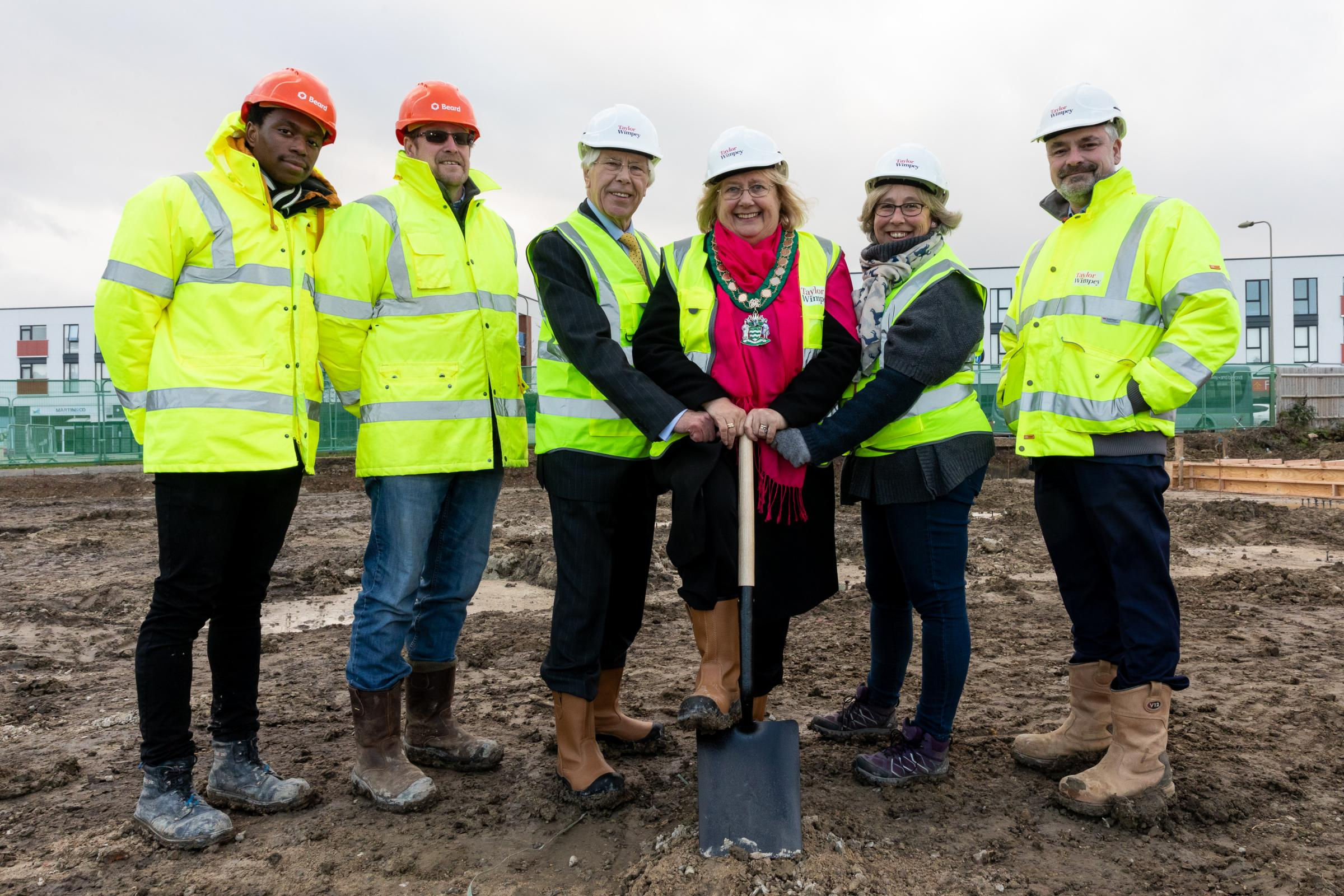 Left to right: Morgan John and Adam Baldwin of Beard Construction, Cllr Reg Waite, Cllr Monica Lovatt, Cllr Debbie Turner, and Mark Edmonds of Taylor Wimpey Oxfordshire. Picture: Redhouse Photography
