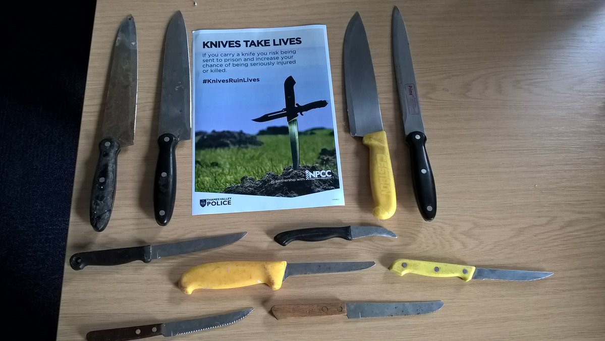 10 knives found by police on town streets
