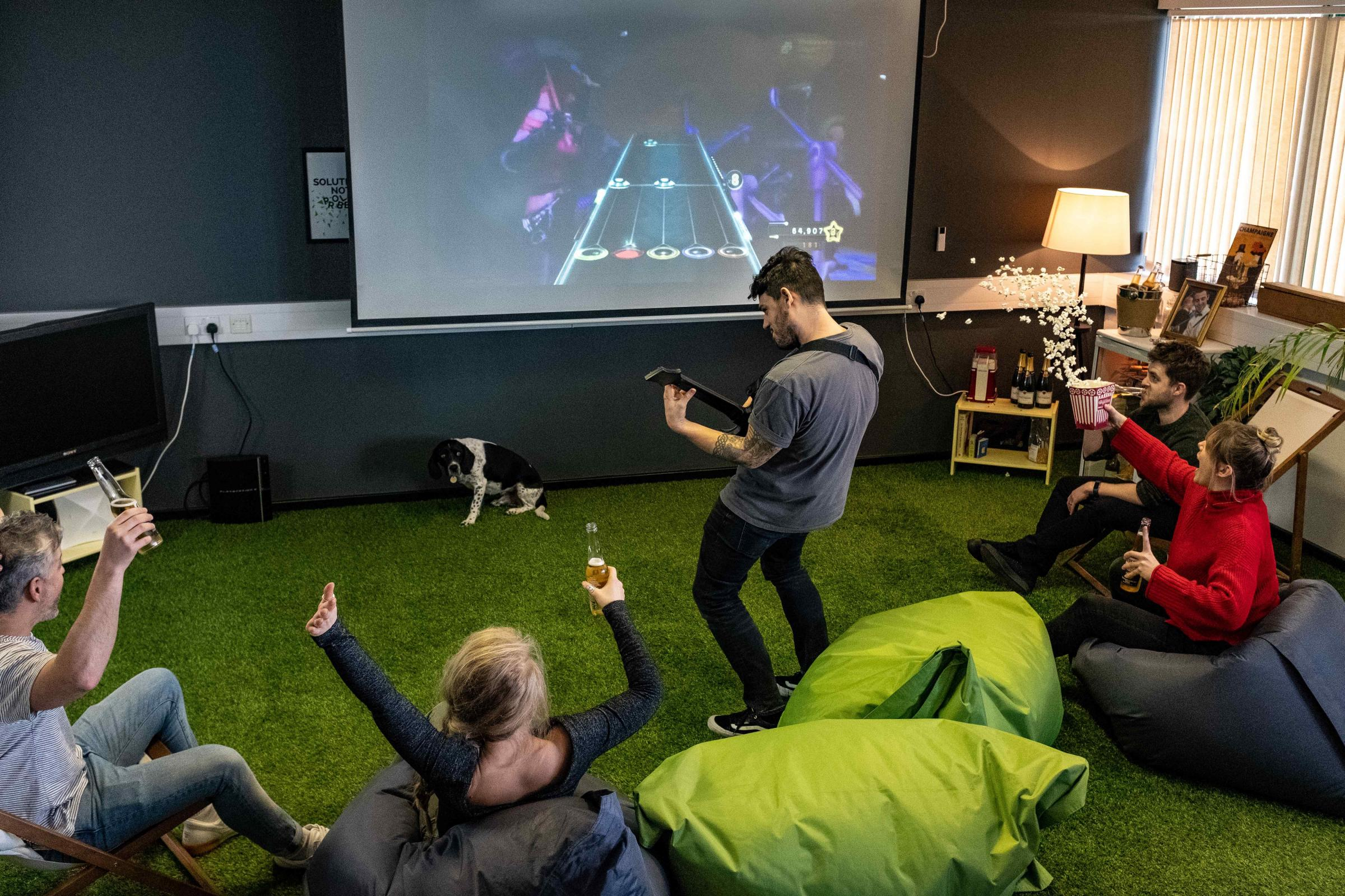 Should businesses invest in providing better downtime areas for its employees? Picture by Zest Digital